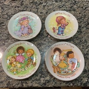 Vintage Mother's day by Avon plates